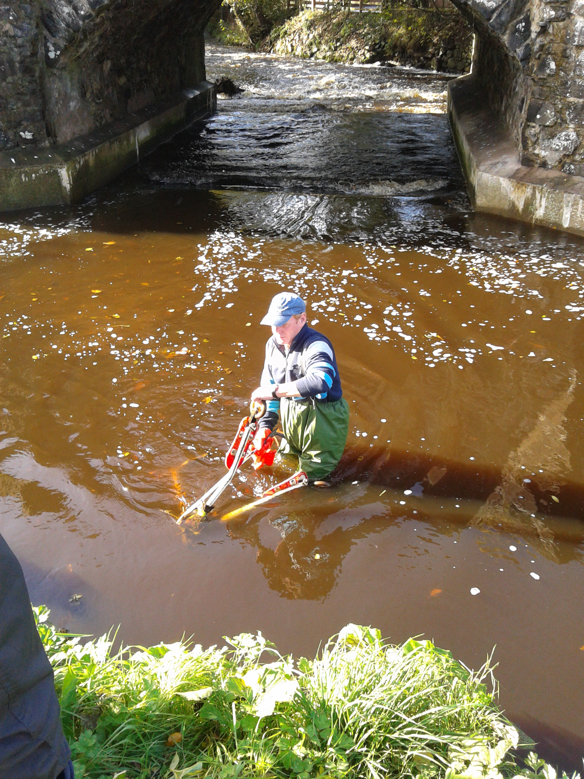 River-Clean-up-2014-Man-in-water