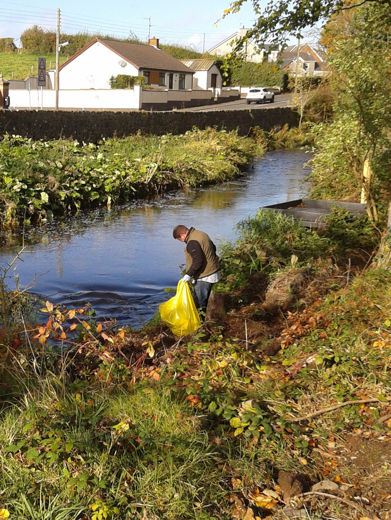River-Clean-up-2014-Man-side-of-River
