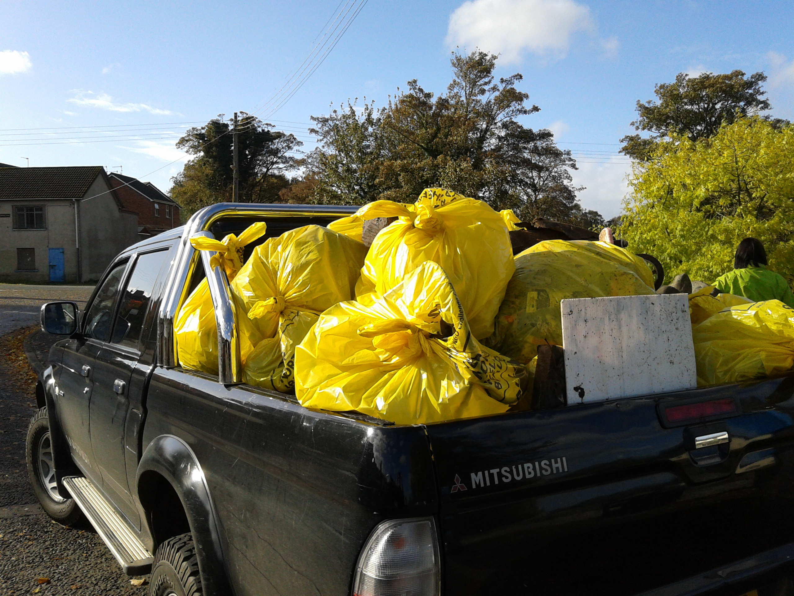 River-celan-up-2014-25Bags-in-Pick-up